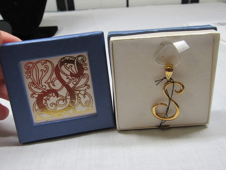 Lot # 191  Letter S 14K gold pendant 1.68 Grams (main image)