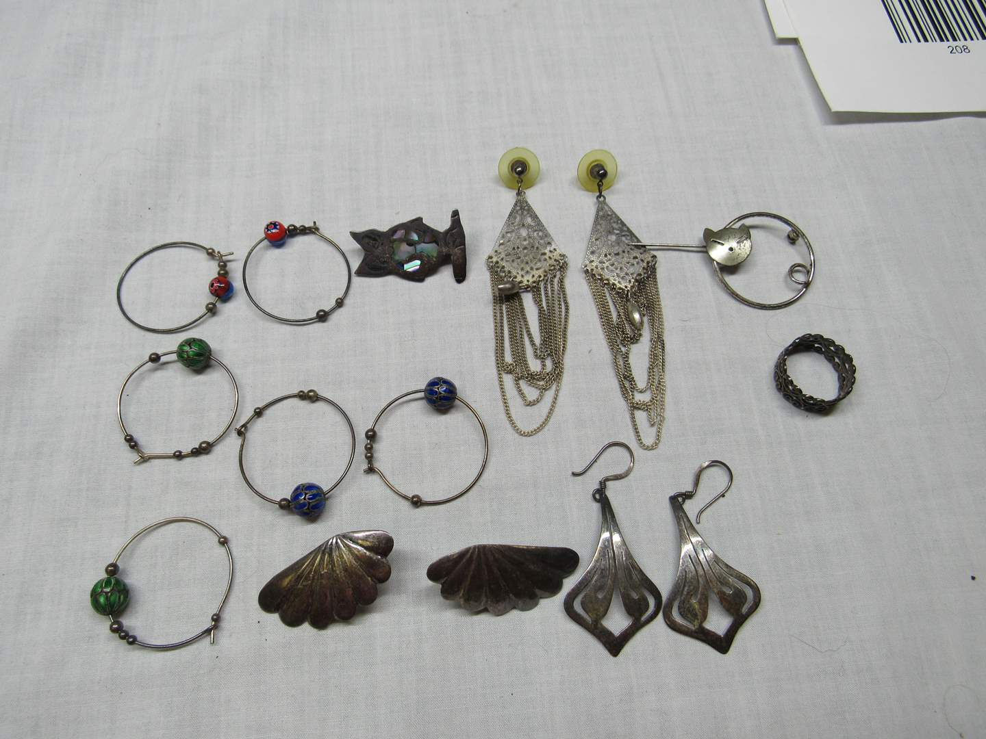 Lot # 199  Nice lot of vintage sterling jewelry (main image)