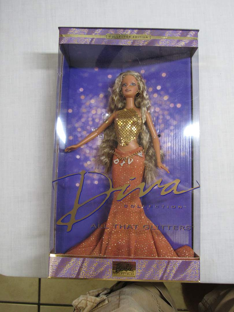 Lot # 25  New Collectors Edition DIVA Barbie (main image)