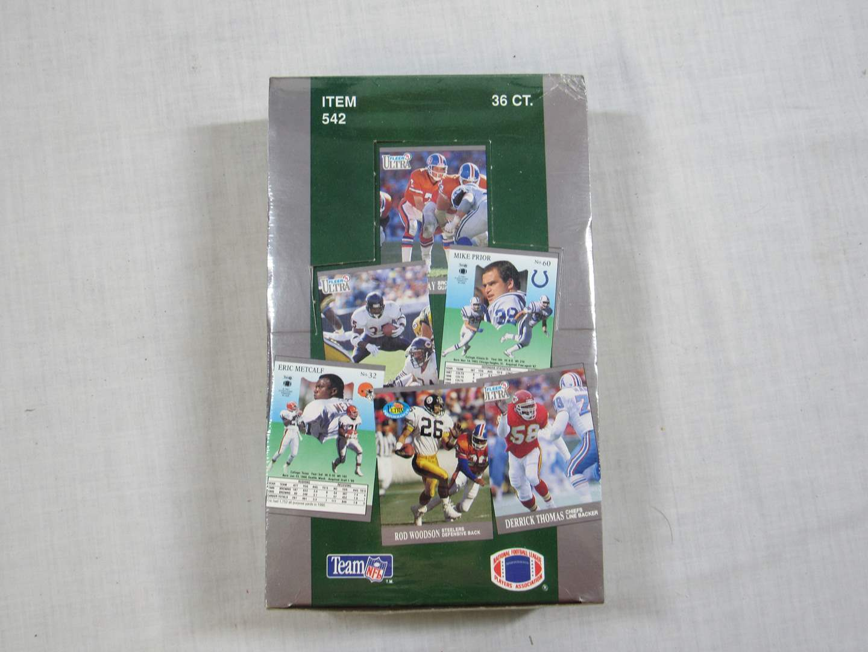 Lot # 48  FULL box 36 packs 1991 Fleer Ultra Football trading cards (main image)