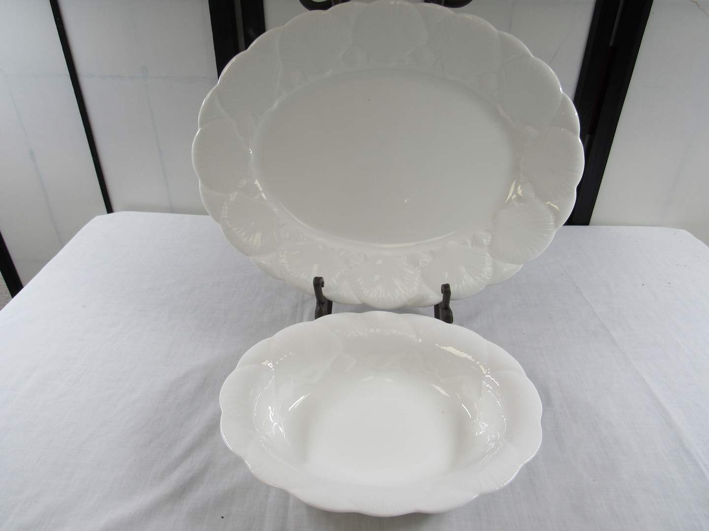 """Lot # 222  Awesome Wedgwood Oceanside 14"""" platter and serving bowl (main image)"""