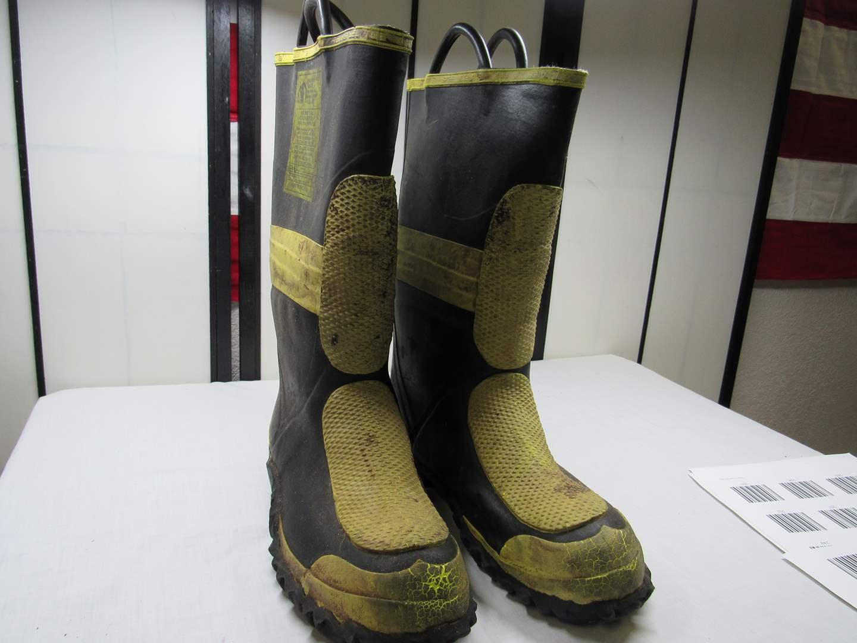 Lot # 238  Pair size 12 Fishing/Fireman boots (main image)