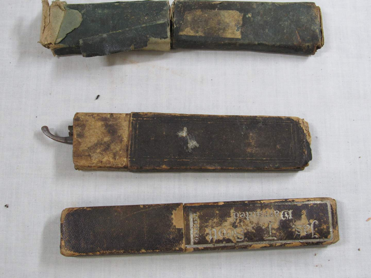 Lot # 271  Nice grouping of antique shaving razors (main image)