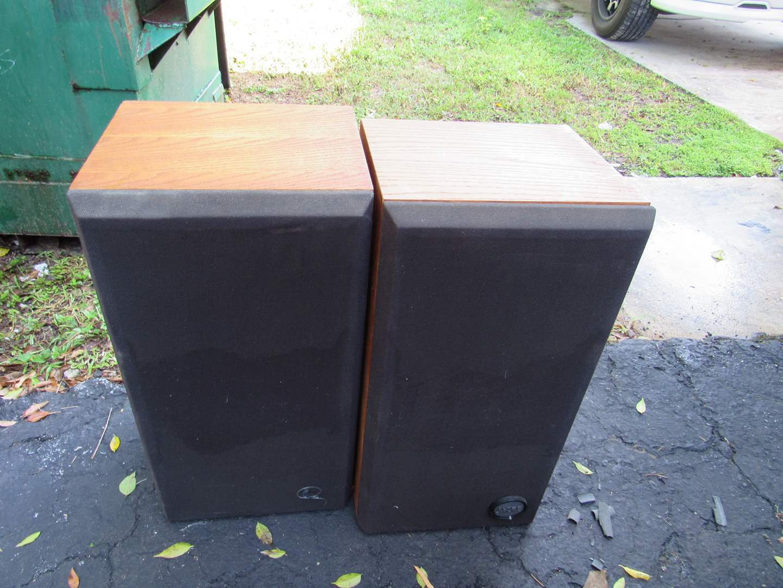 Lot # 54  Nice vintage Altec Lansing pair speakers (main image)