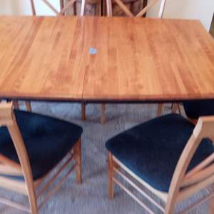 """Auction Thumbnail for: Lot # 10 Mid Century Dining room Table with 6 chairs.  Approx 72"""" long x 36"""" wide in good condition (some pet dander on chairs)"""