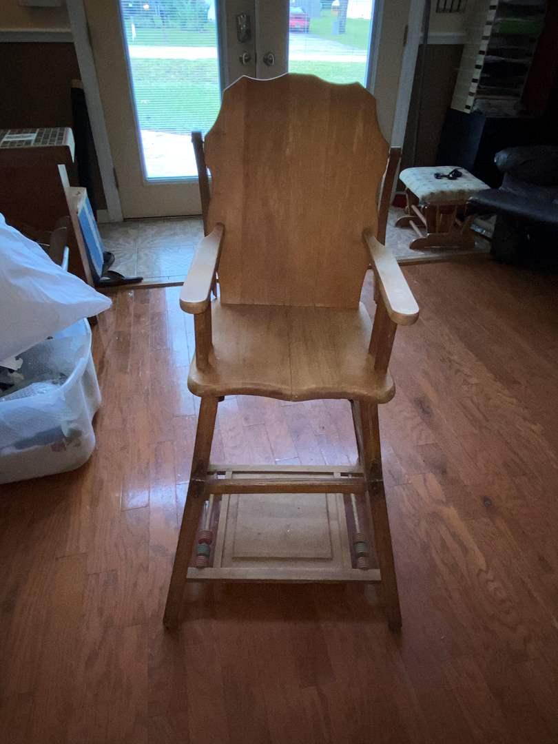 Lot # 118 Vtg Convertible High Chair & Rolling Walker
