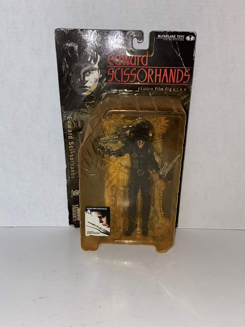 Lot # 148 McFarlane Toys Movie Maniacs 3 Edward Scissorhands Action Figure