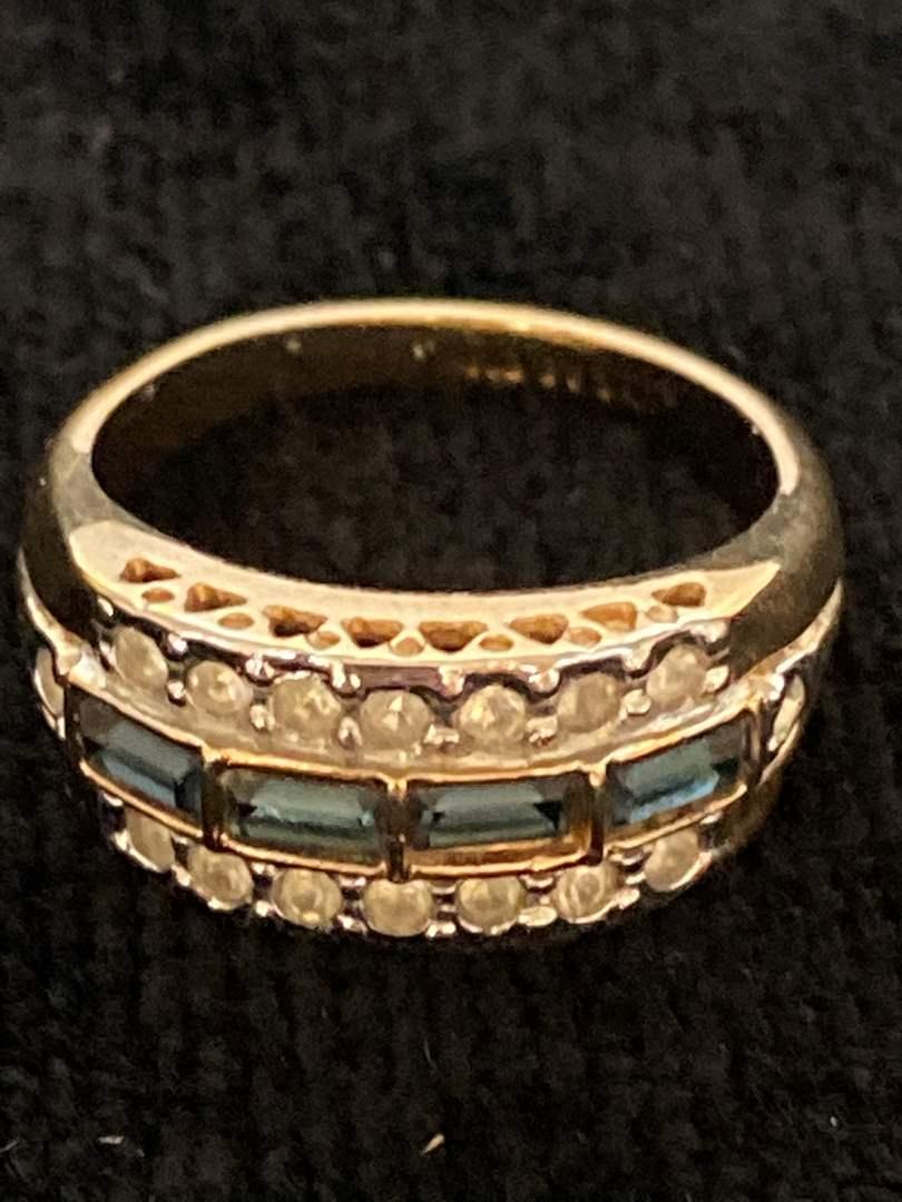 Lot # 198 Stunning 14K GE Ring - Size 8