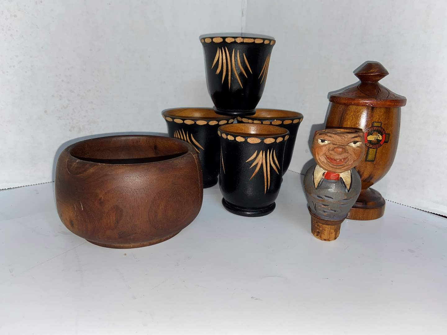 Lot # 232 Misc Wooden Decor Items (cups, bowl & more)