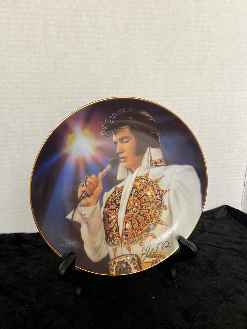 """Lot # 249 Collectors Remembering Elvis Plate Bradford Exchange """" The Dream"""" w/ Stand"""