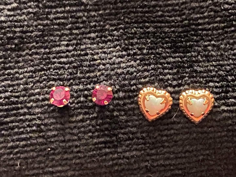 Lot # 292 14K Gold Earrings Marked .9g