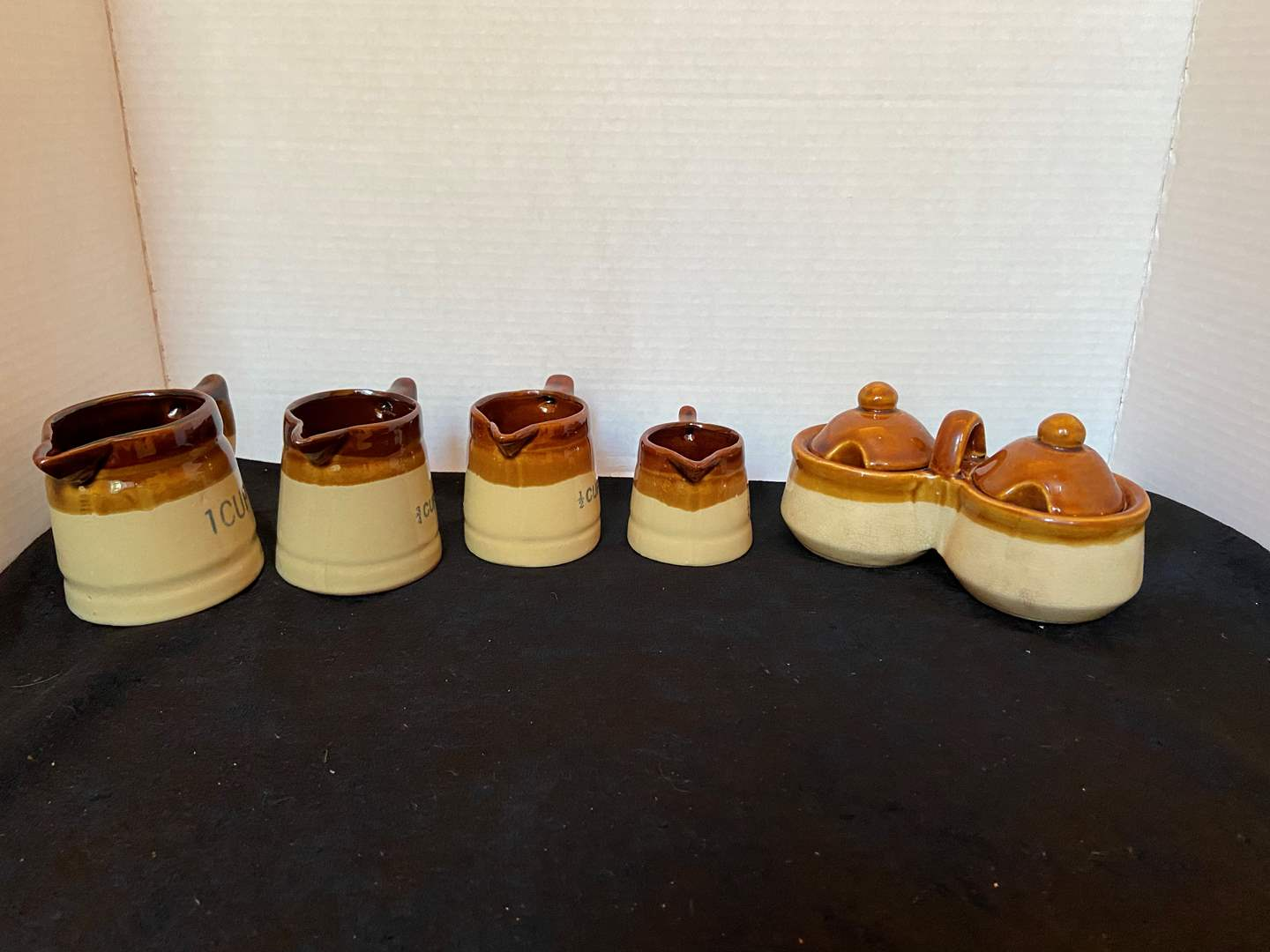 Lot # 321 Measuring Cups & more