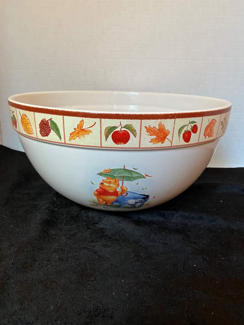 Lot # 324 (2) Winnie the Pooh Mixing bowls