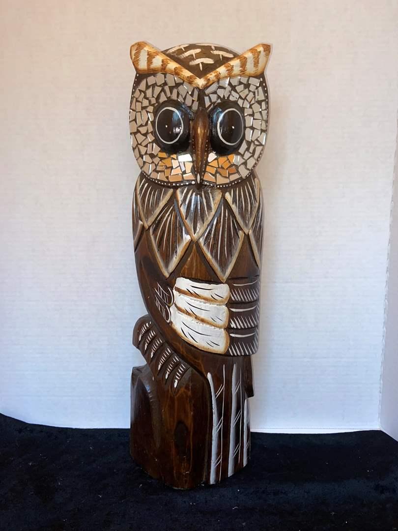 Lot # 334 Beautiful Tall Owl Decor