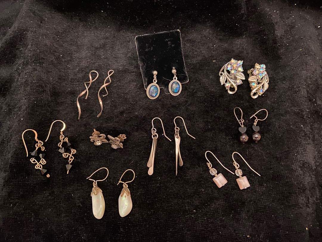 Lot # 381 Fashion Jewelry Earrings