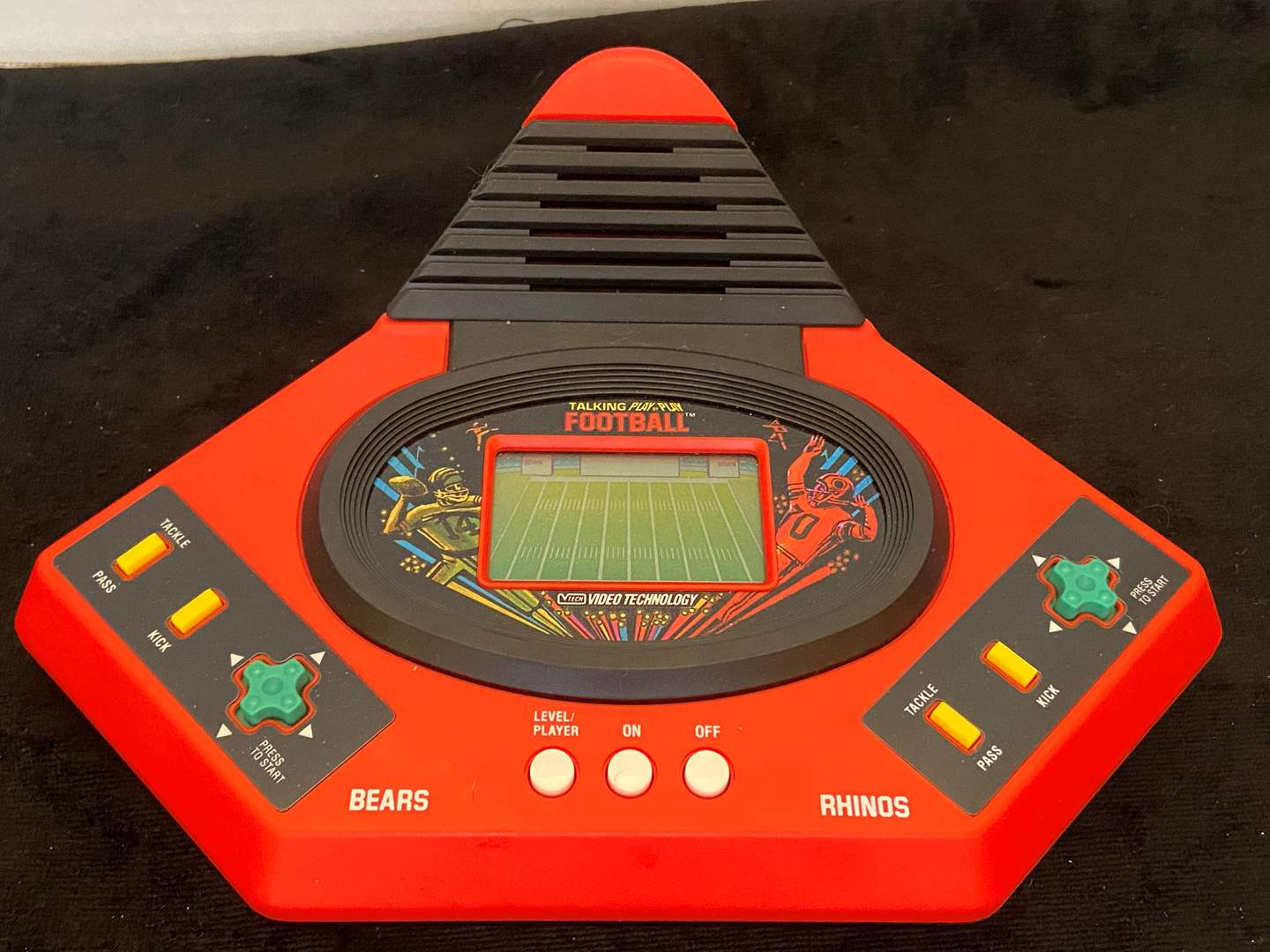 Lot # 385 1986 VTech Talking Play by Play Football Game
