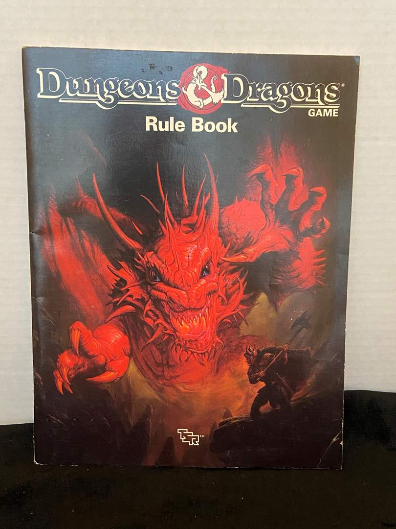 Lot # 386 Dungeons & Dragons Rule Book 1991