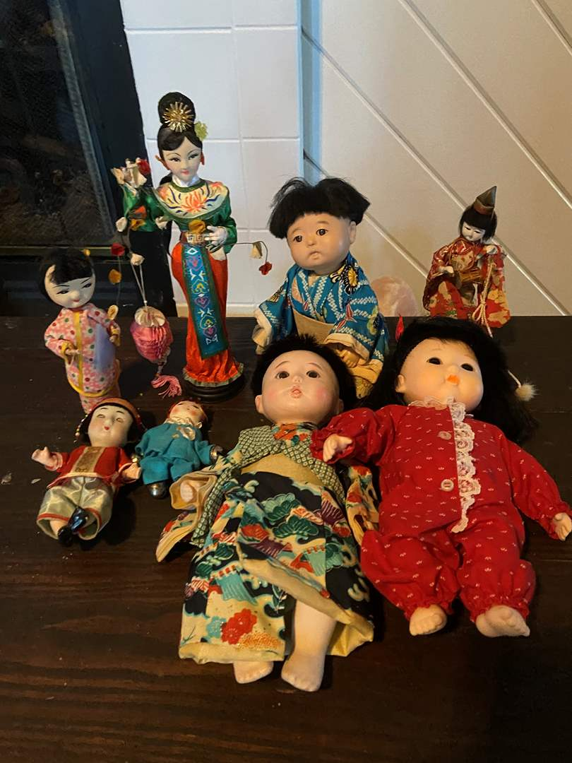 Lot # 399 Variety of Oriental Dolls/Figurines