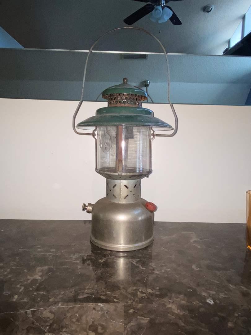 Lot # 412 Vtg Coleman Lantern