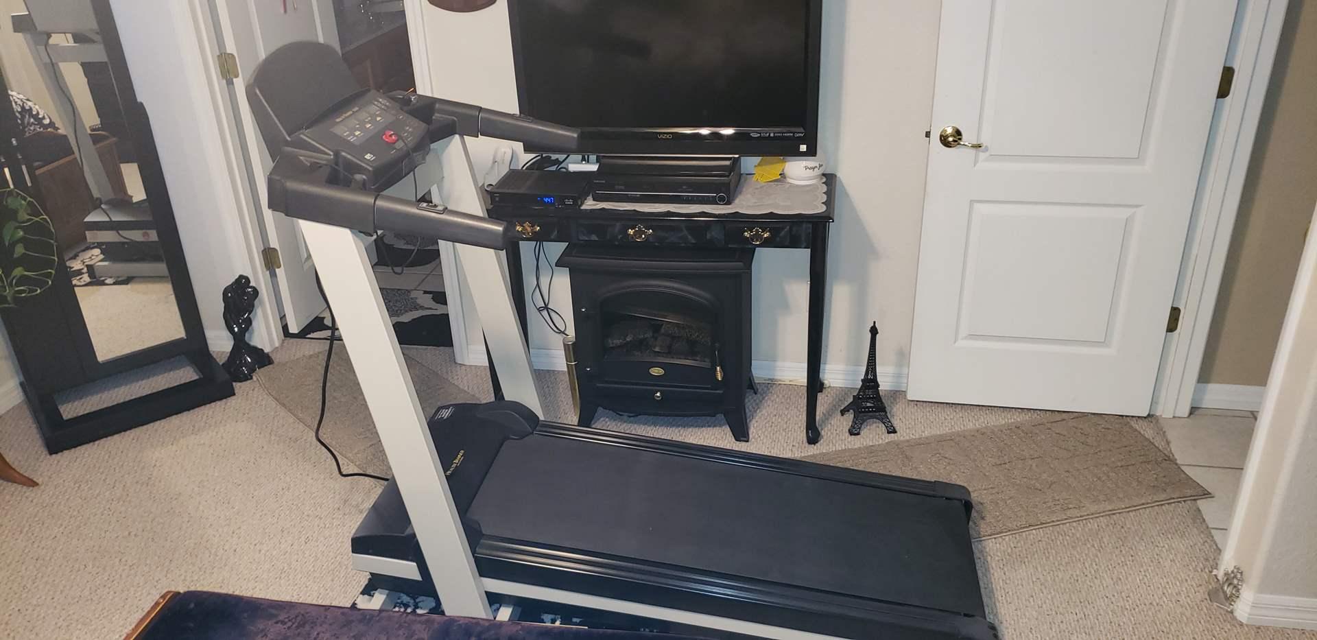 Lot # 419 Health Trainer 500 Treadmill - Works Great