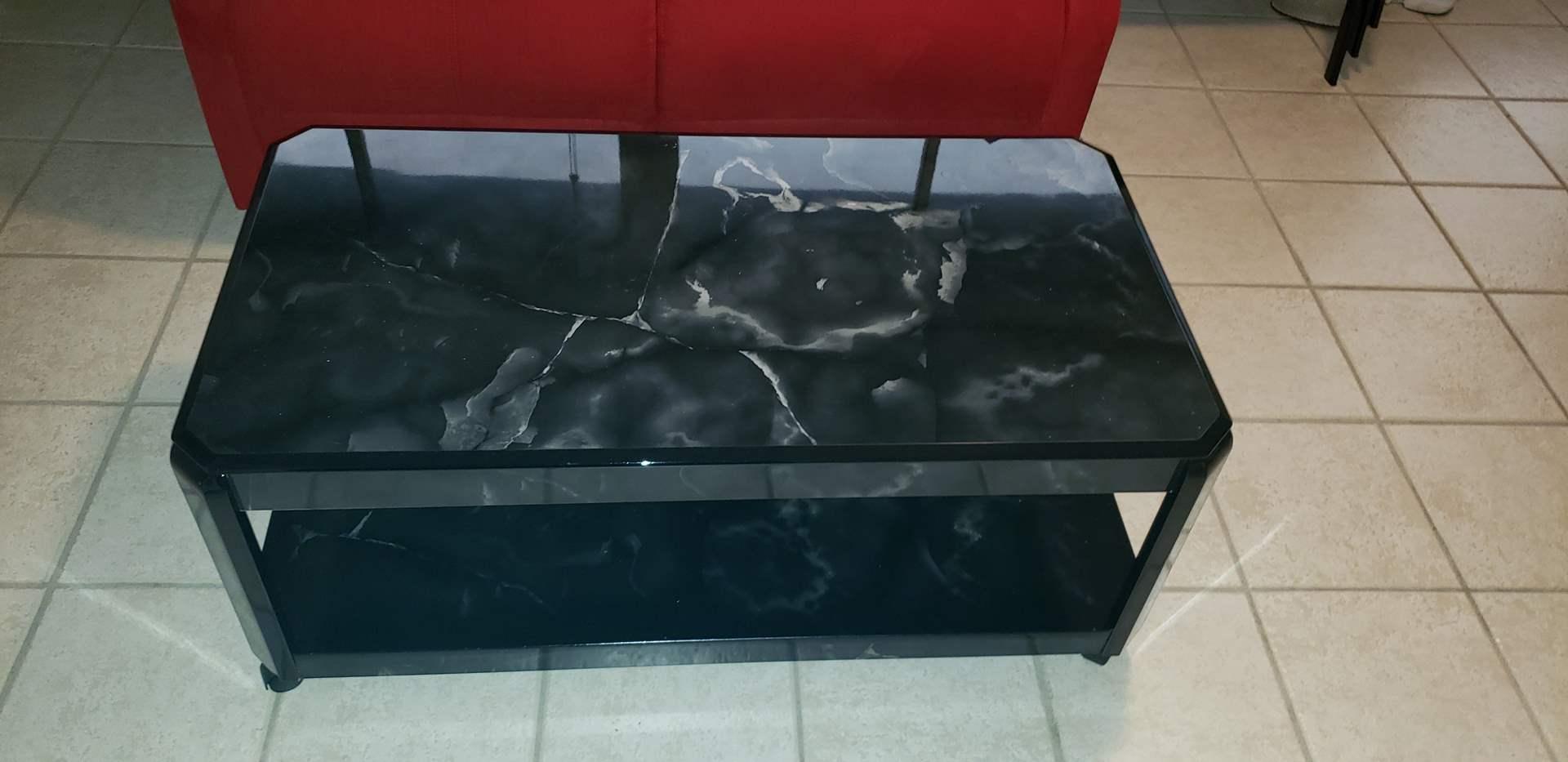 Lot # 423 Nice black coffee table on wheels
