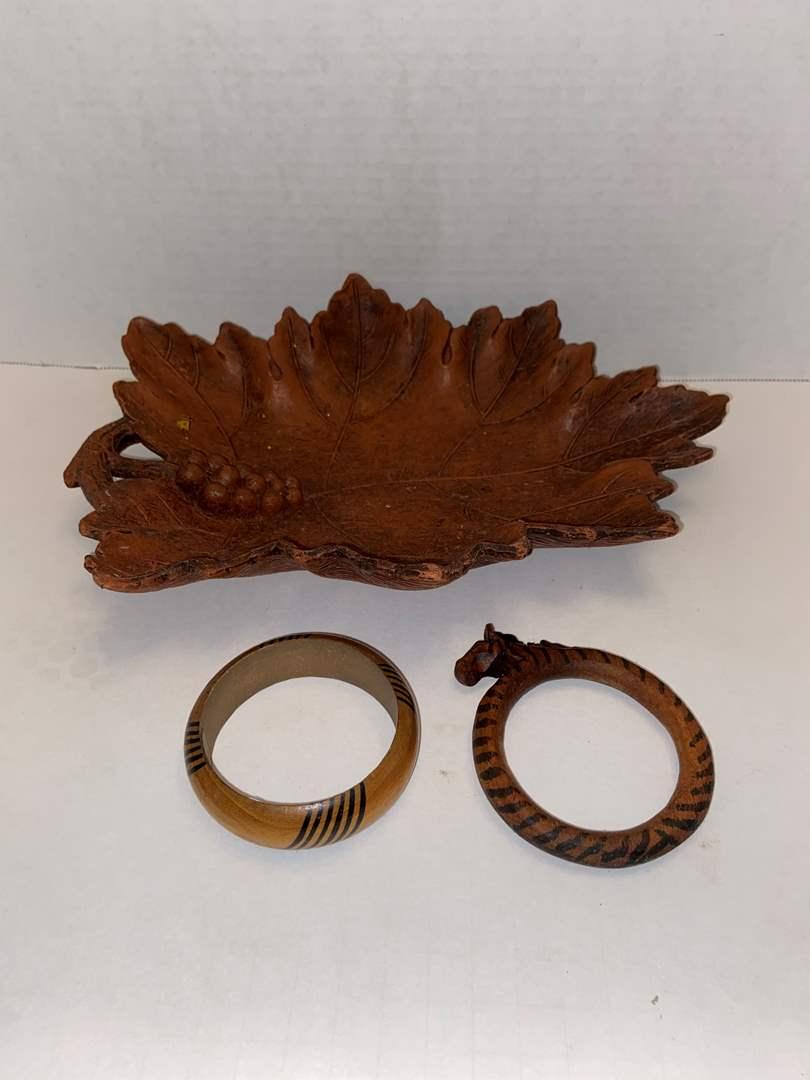 Lot # 434 Leaf Platter 1946 & 2 wooden bracelets