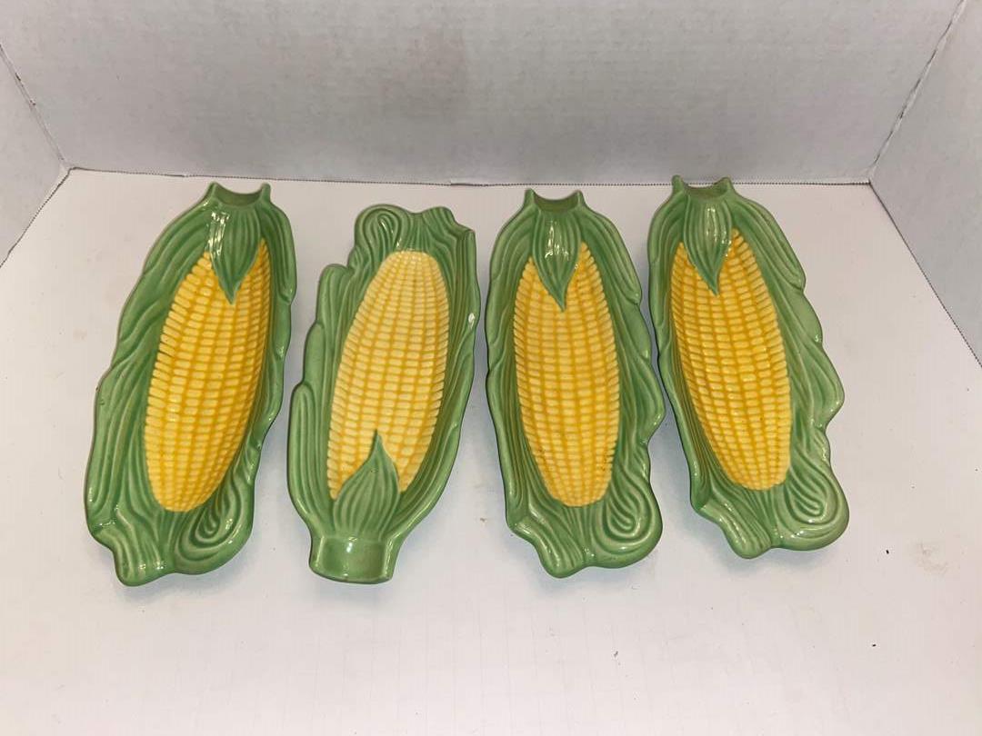 Lot # 503 (4) Corn Trays