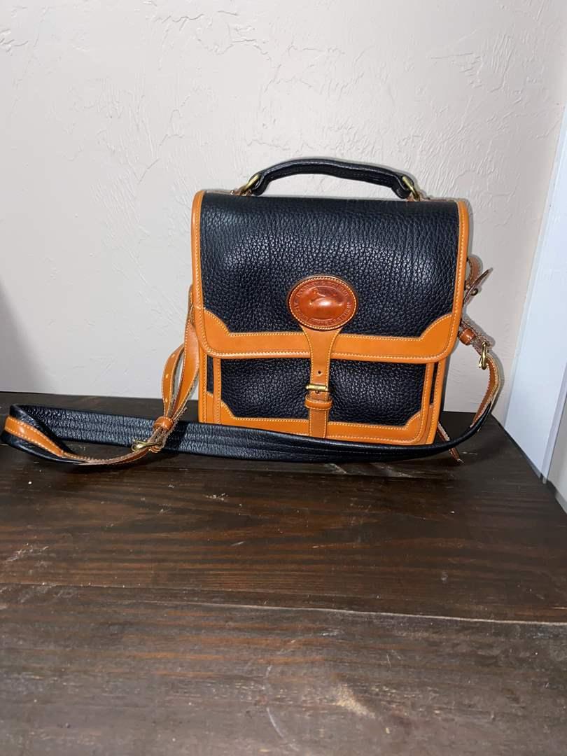 Lot # 506 Vtg Dooney & Bourne Leather Purse