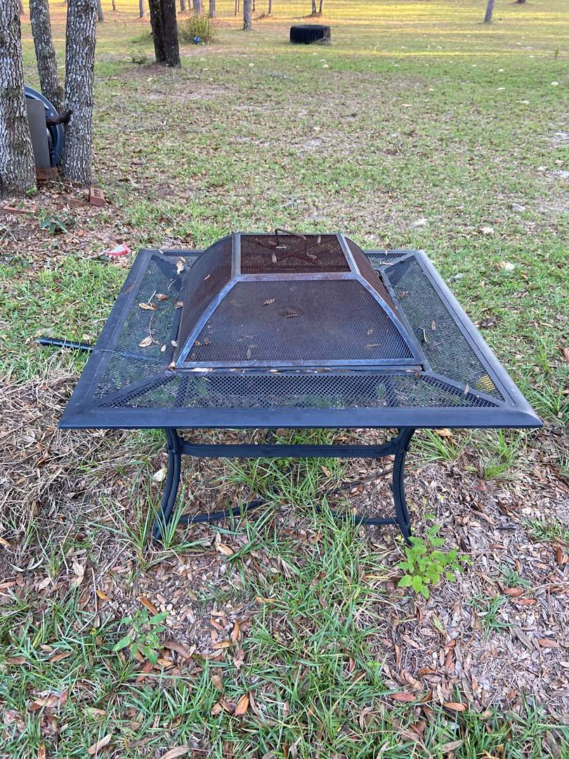 Lot # 514 Portable Outdoor Fire Pit