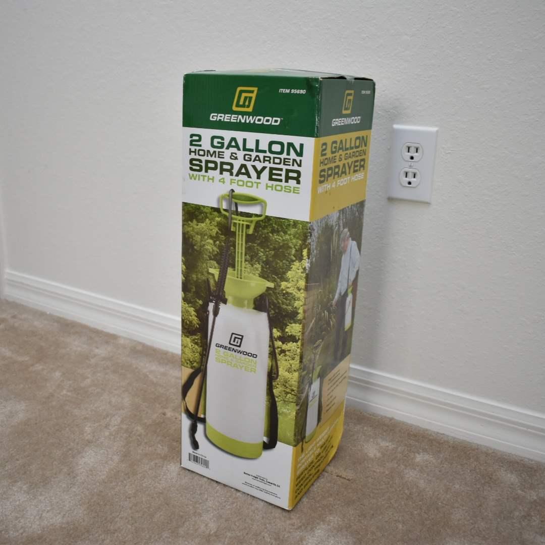 NEW 2 Gallon Pump Sprayer