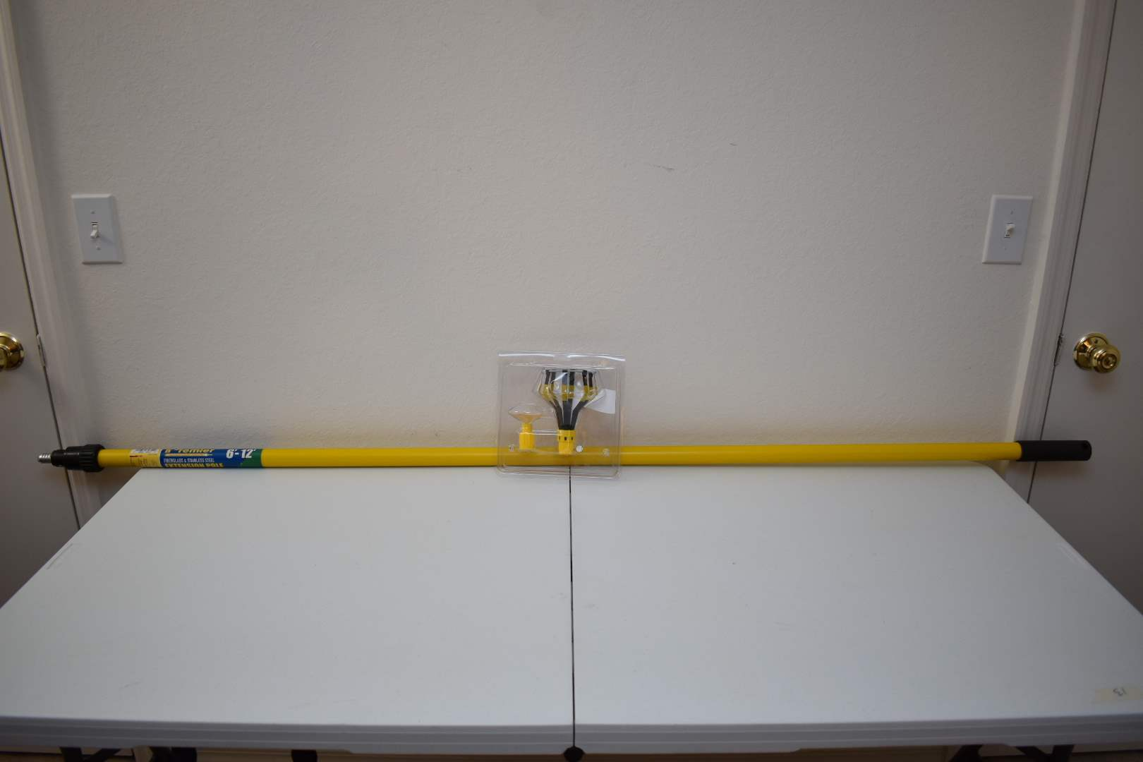 Lightbulb Changer with Pole