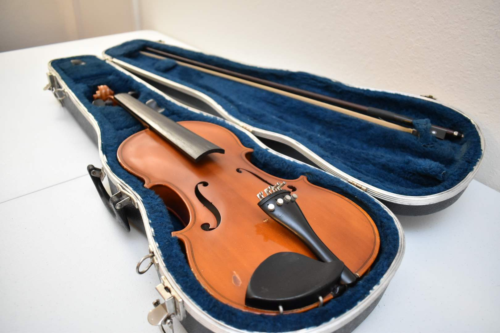 Glaesel Student Violin with Bow and Case