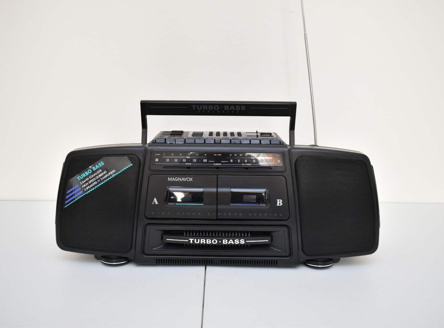 Magnavox Turbo Bass Radio