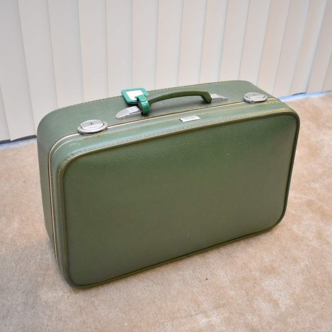 Vintage Amelia Earhart Suitcase from 1950's with Functional Locks and Keys