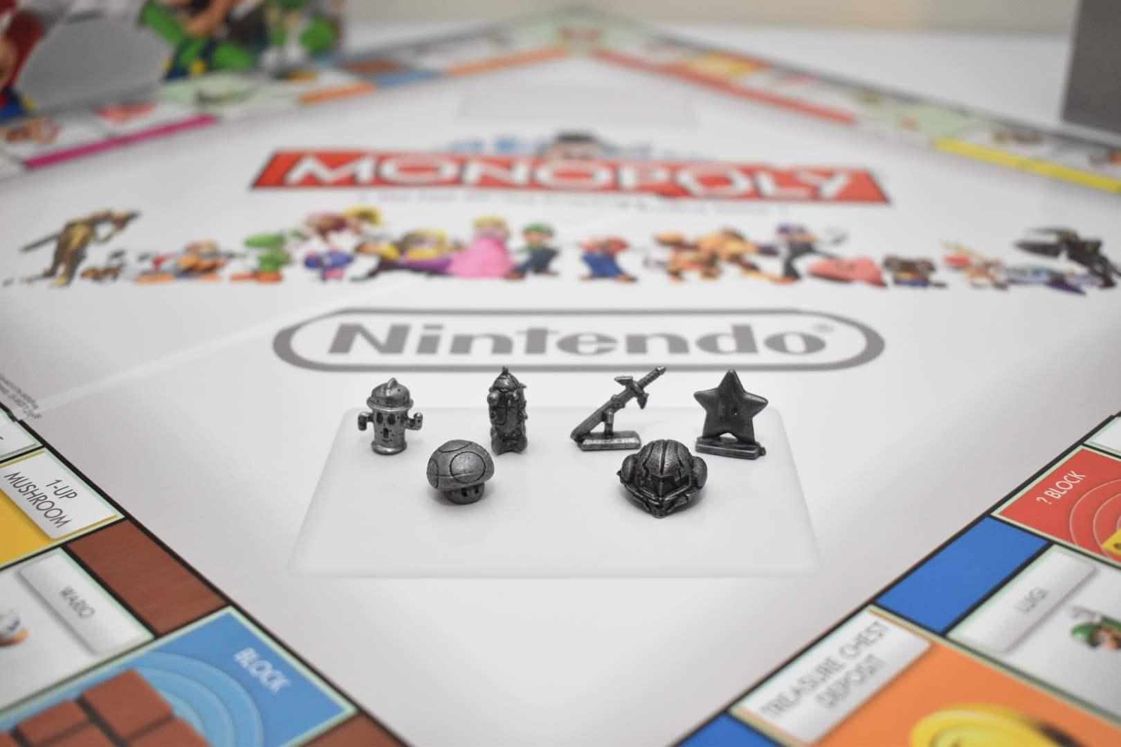 Monopoly: Nintendo Collector's Edition *Like New*