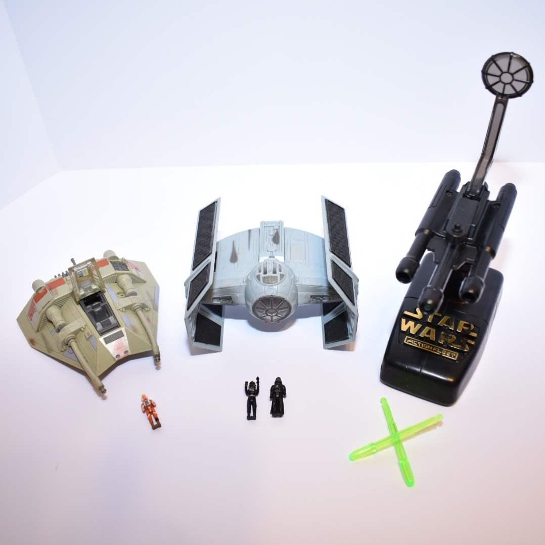 Vintage STAR WARS Darth Vader's Tie Fighter with Interactive Stand & Snowspeeder