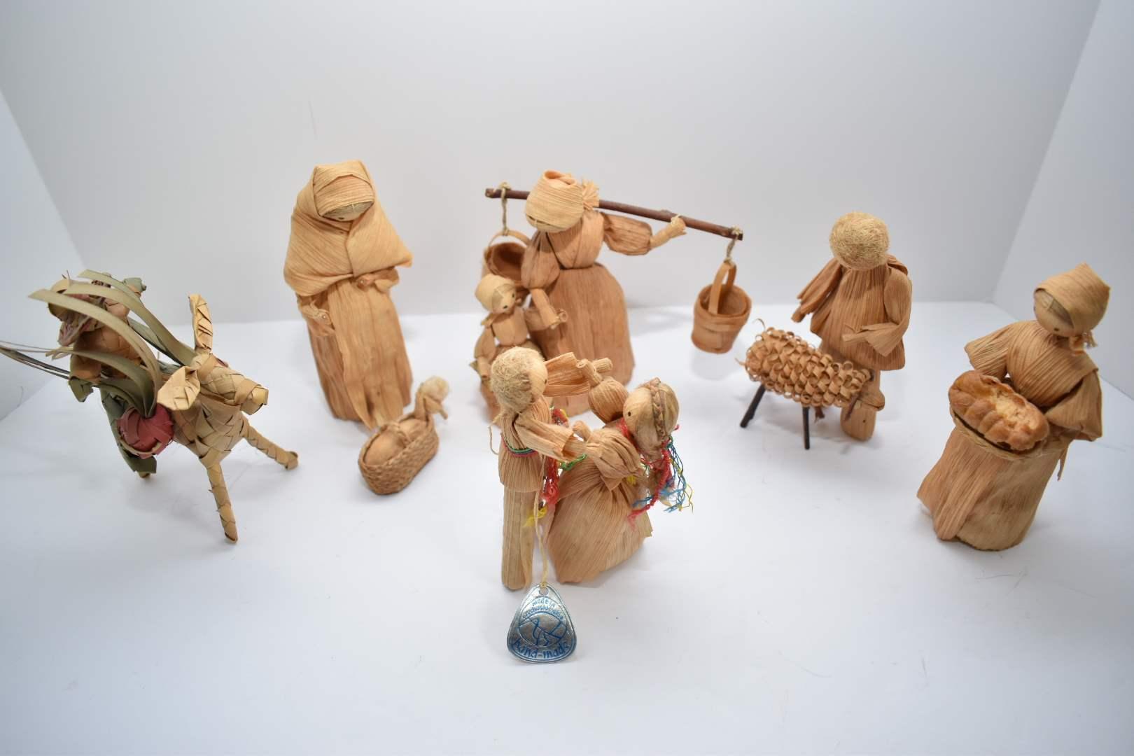 Vintage Handmade Corn Husk Dolls