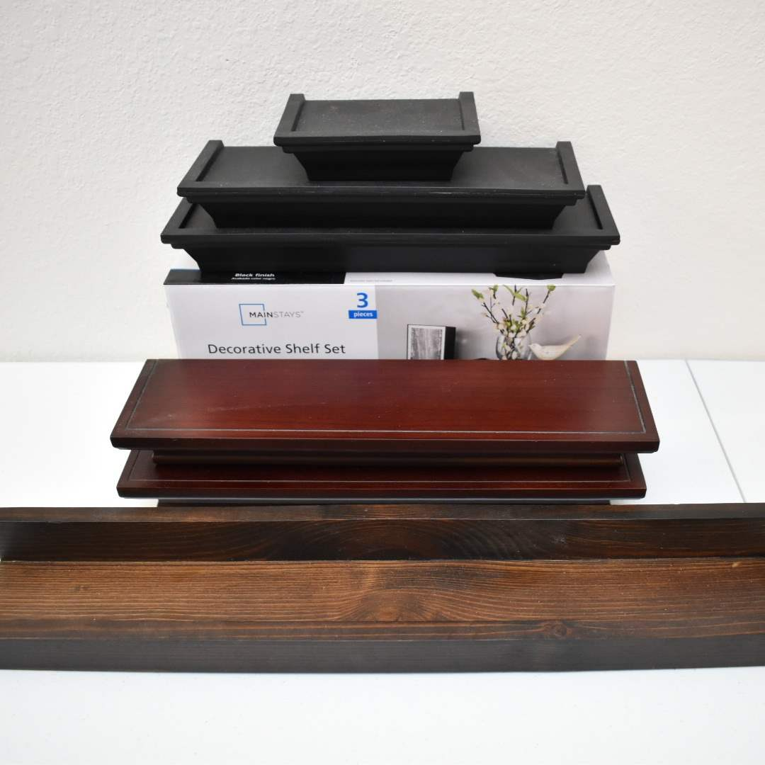 (9) Decorative Shelves