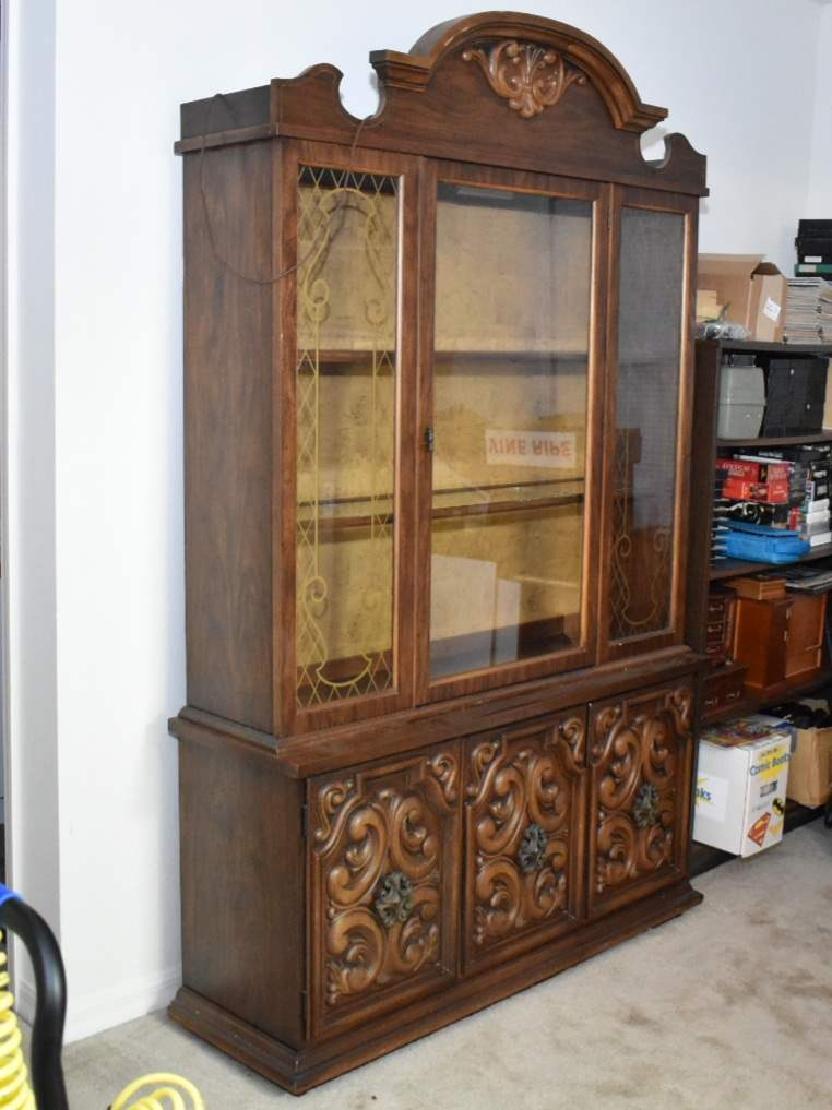 Vintage Decorative Hutch/ China Cabinet with Lights