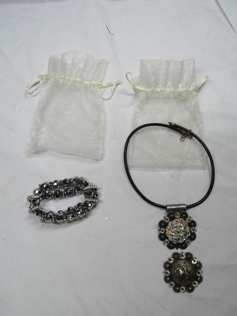 Lot # 165  Nice costume jewelry lot (main image)