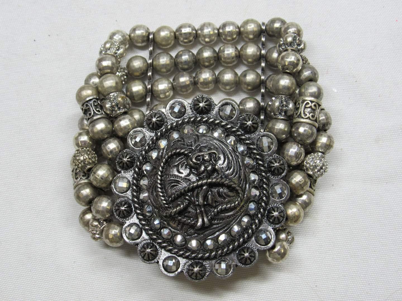 Lot # 172  Western style & faux pearls bracelet (main image)