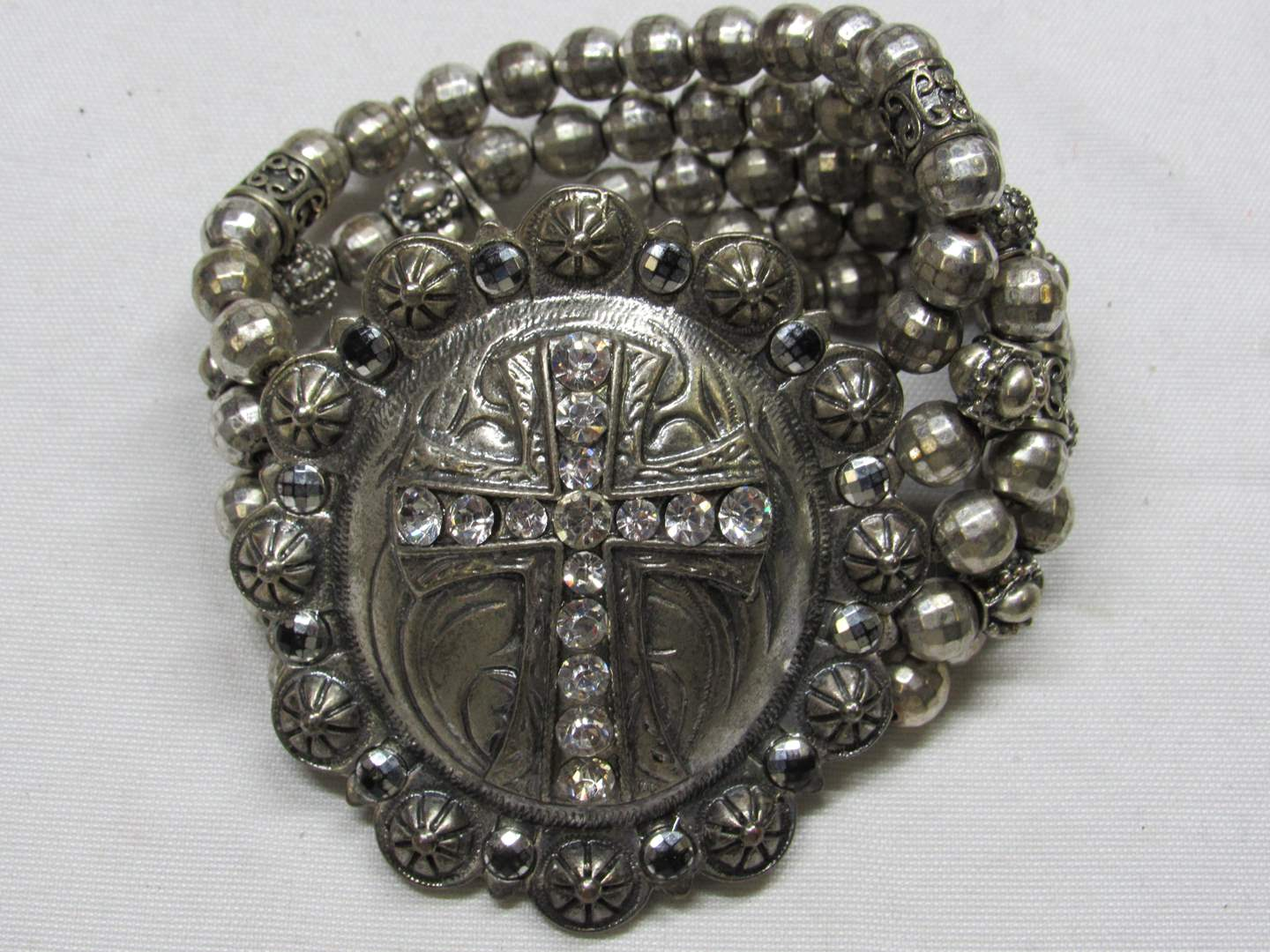 Lot # 173  Western style w/silver (not sterling) beads with cross design bracelet (main image)