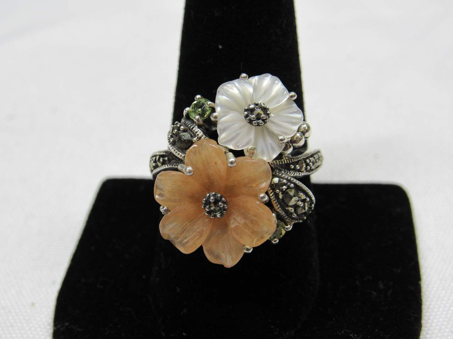 Lot # 223  Cute double flower & sterling silver ring size 10 (main image)