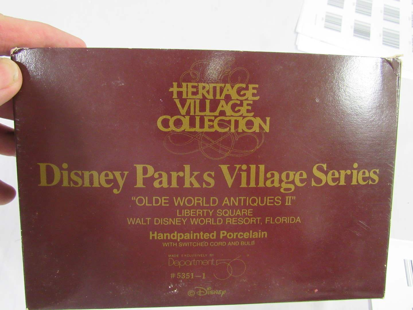 """Lot # 22  Heritage Village Collection """"Disney Parks Village Series""""  complete perfect (main image)"""