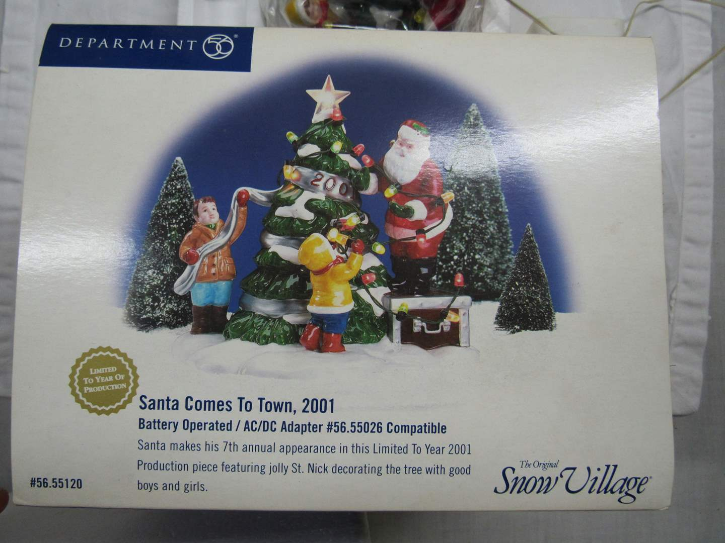 """Lot # 40 Dept 56 Snow Village """"Santa Claus Comes to Town"""" 2001 with AC/DC adapter (main image)"""