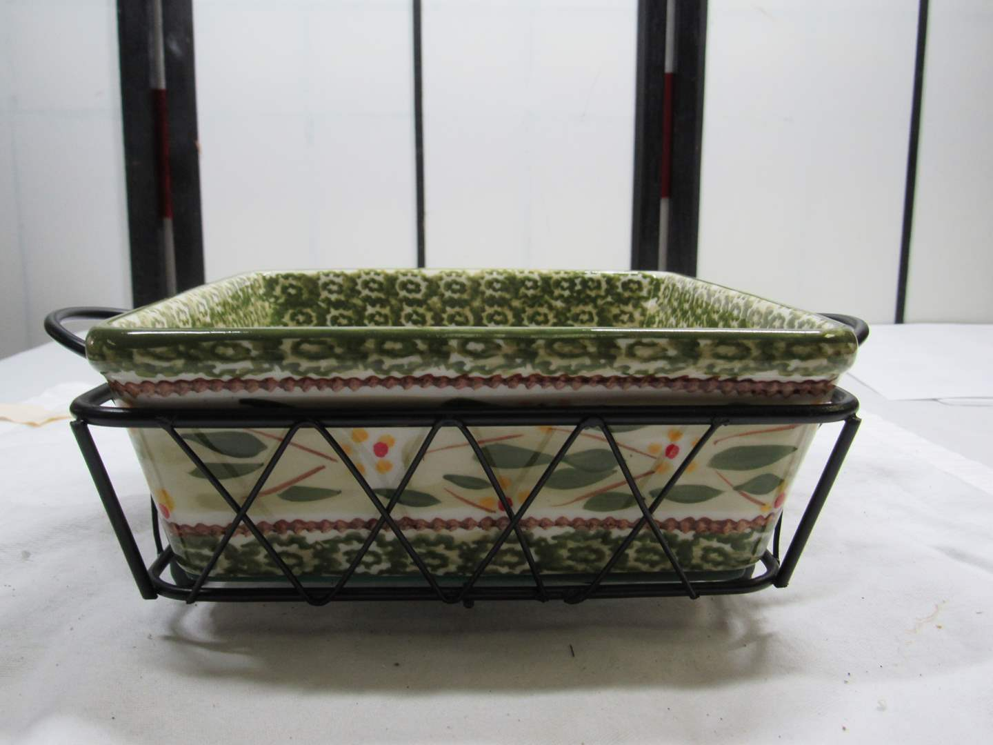 Lot # 86  Temp-Tations casserole with wire rack & under trivet (main image)