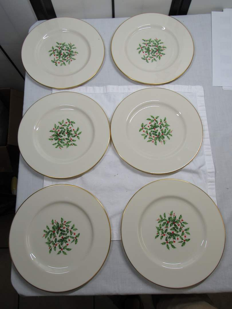 Lot # 94  6 WOW Lenox Holly Berry plates (like new condition) (main image)
