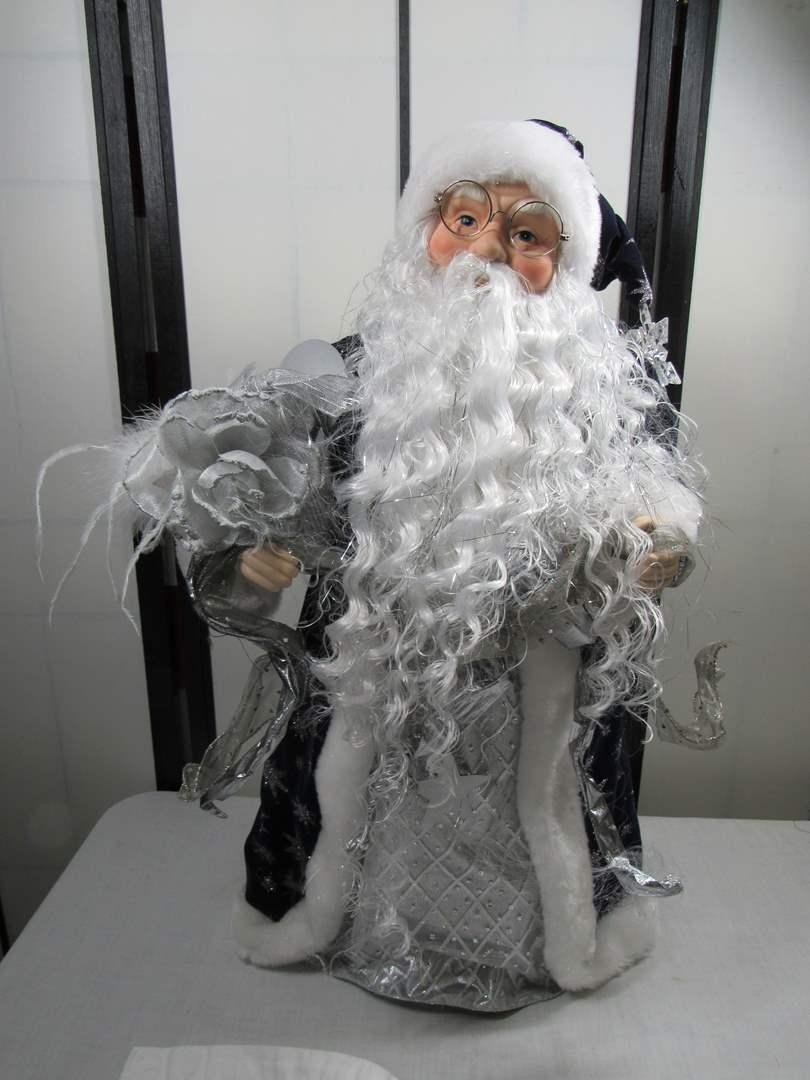 Lot # 242  Large display Santa (main image)