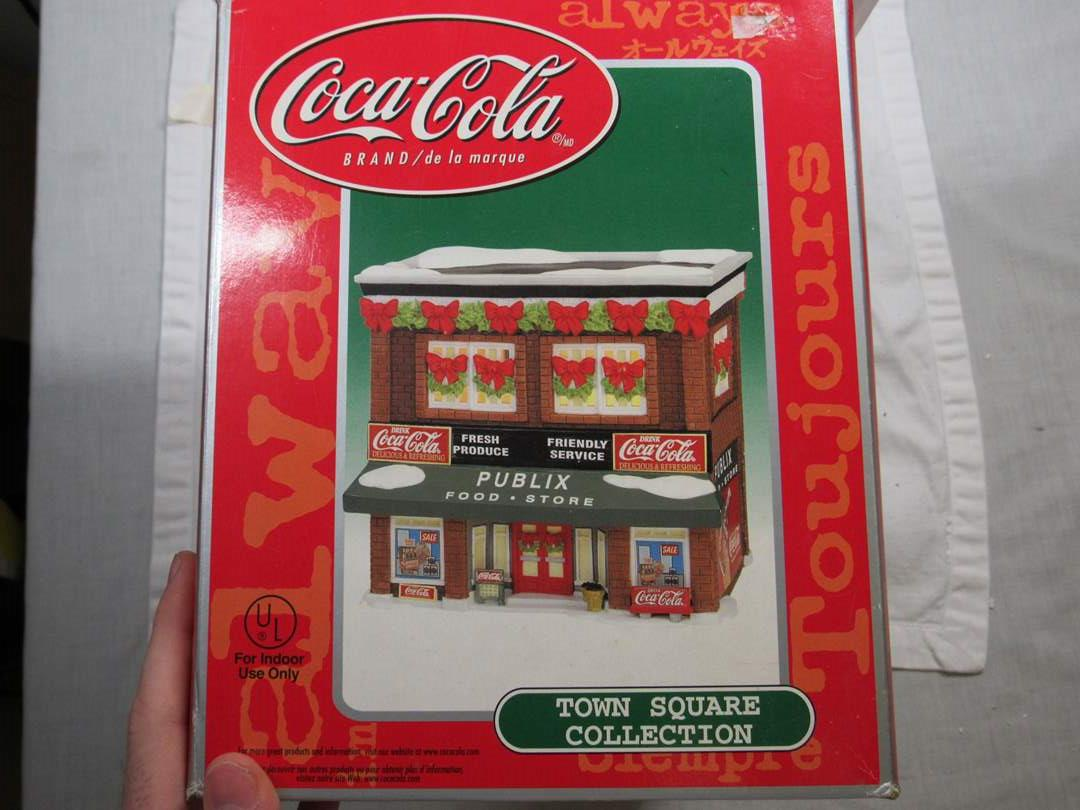 Lot # 95  Coco Cola Publix store holiday house LIMITED no light (main image)