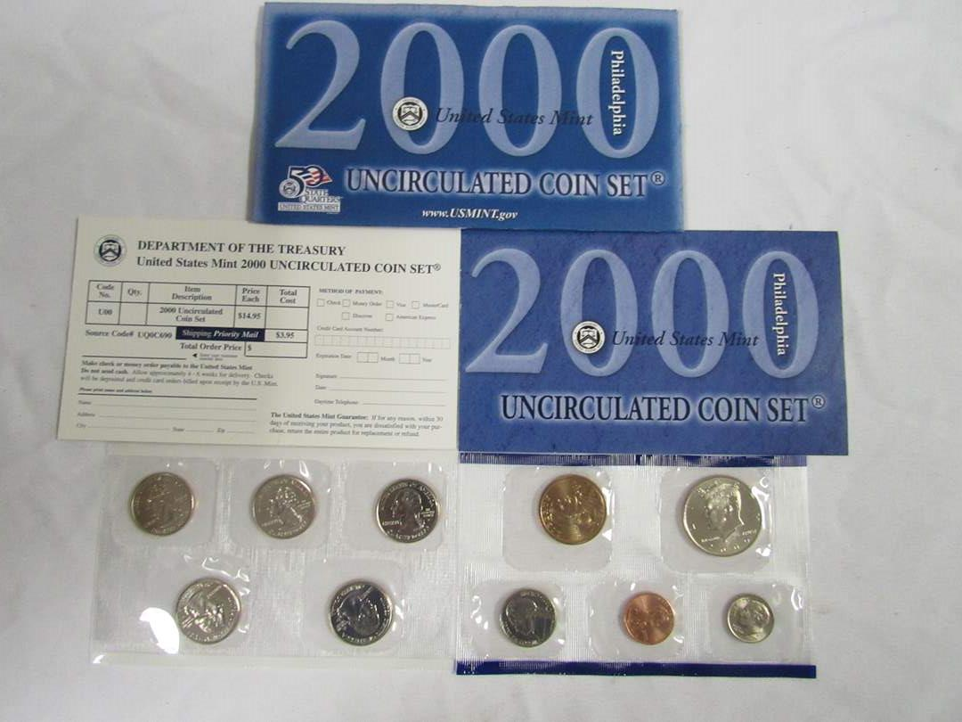 Lot # 157  2000 Uncirculated Double Coin set to include state quarters (main image)